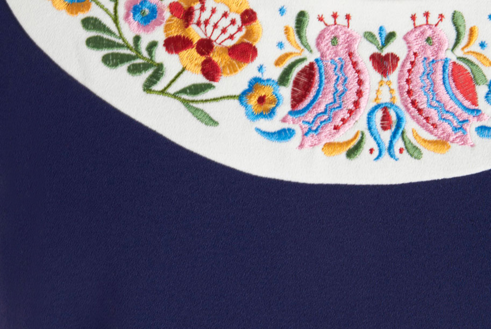 folk-dress/embroidered-collar.png